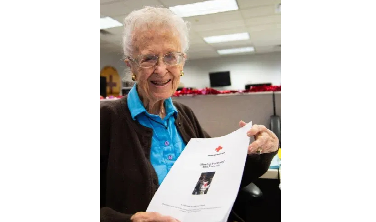 Home Care in Goodyear AZ: Redcross Volunteer